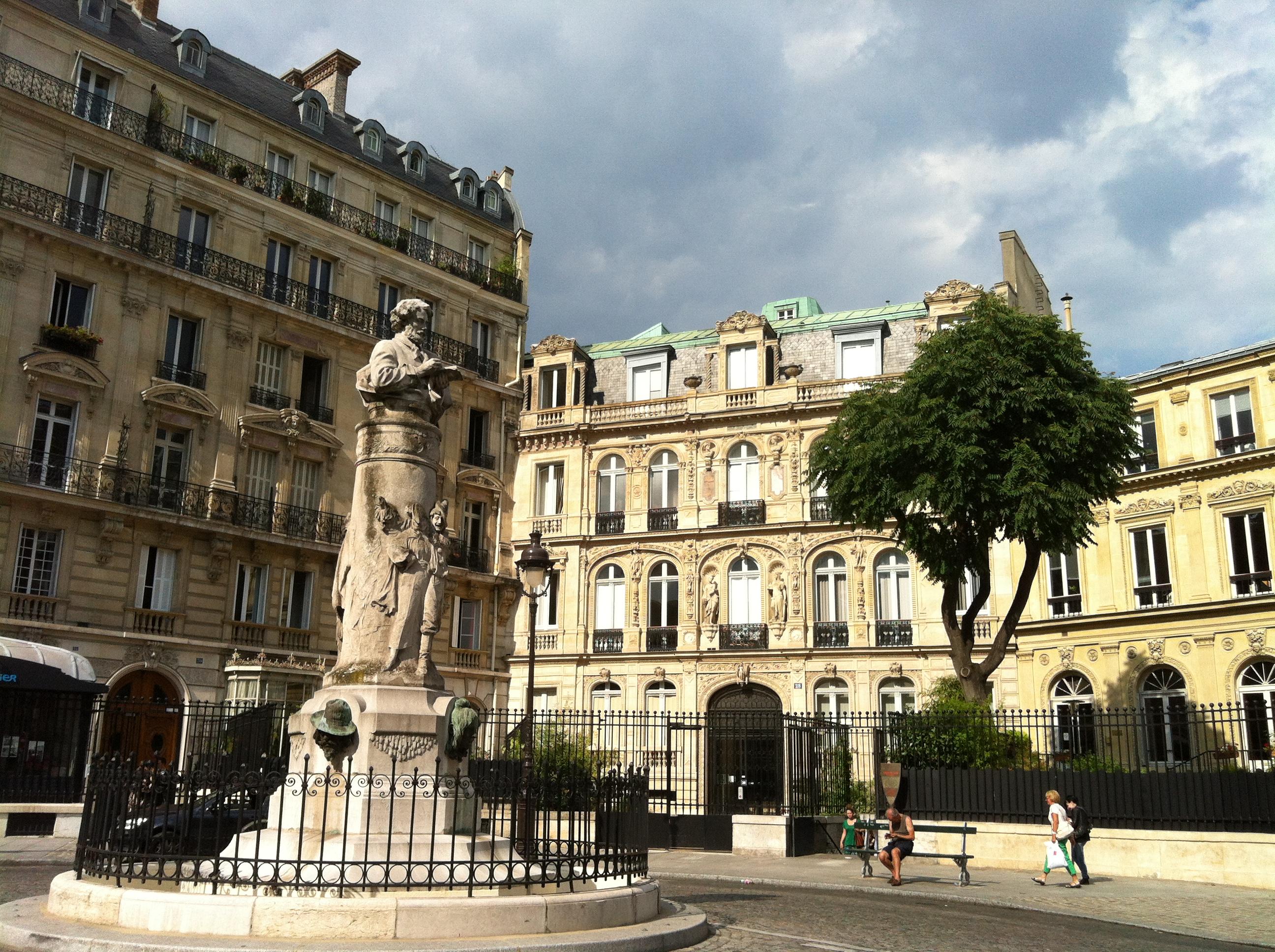 visites des quartiers de paris. Black Bedroom Furniture Sets. Home Design Ideas