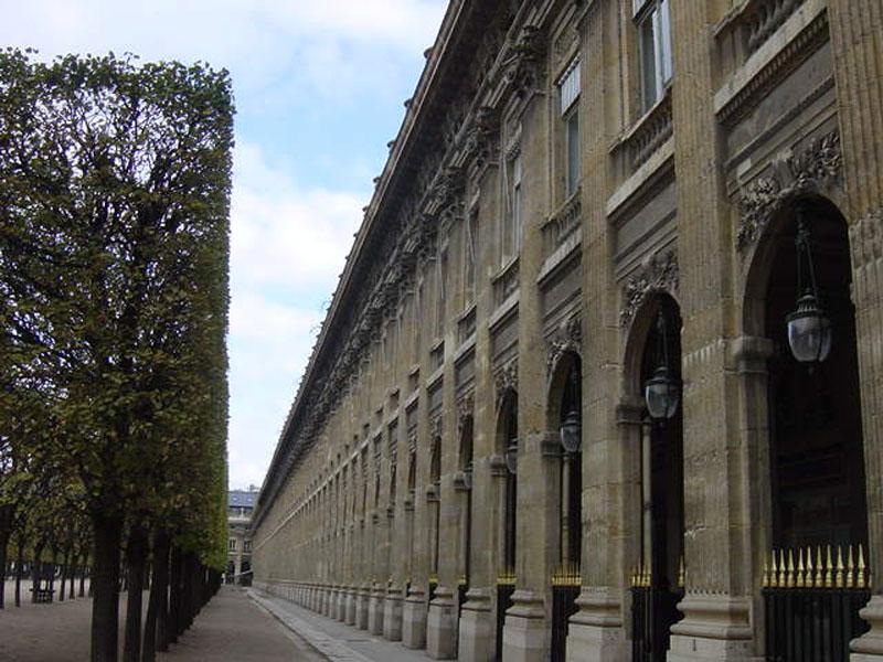 balade-quartiers-paris-palais-royal.jpg